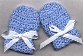 Crochet Baby Gloves Pattern : Crochet Baby Scratch Mittens on Pinterest Baby Mittens ...