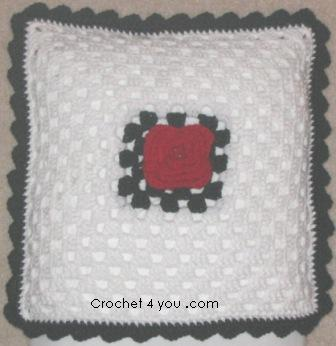 Crochet Pattern: Granny Square With a Flower
